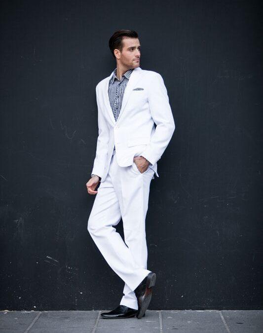 7 powodów, dla których warto mieć garnitur szyty na miarę